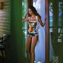 elle-spain-may-2012-sun-company-flavia-oliveira-4