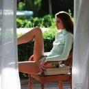elle-spain-may-2012-sun-company-flavia-oliveira-6