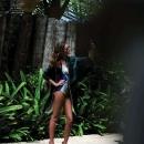elle-spain-may-2012-sun-company-flavia-oliveira-7