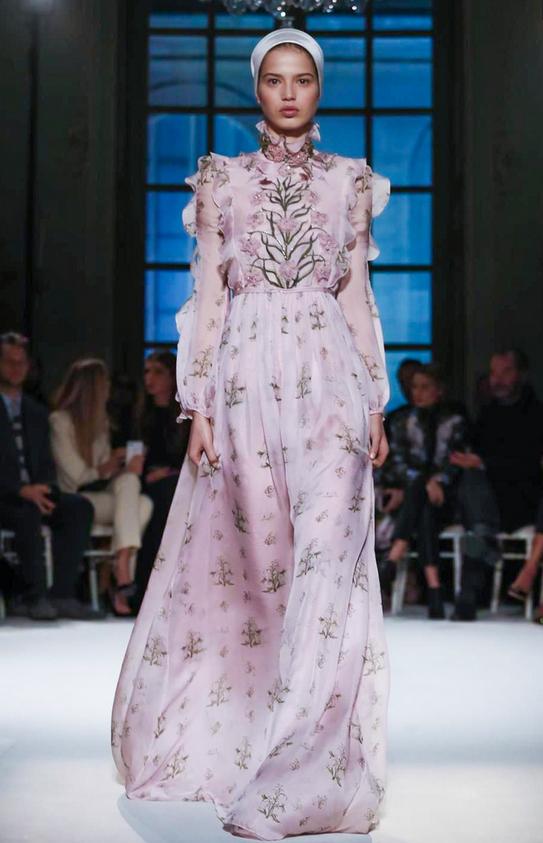 SARA WITT for Giambattista Valli Couture S/S 2017